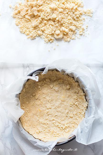 Fare il guscio di sbriciolata - Ricetta Sbriciolata al limone