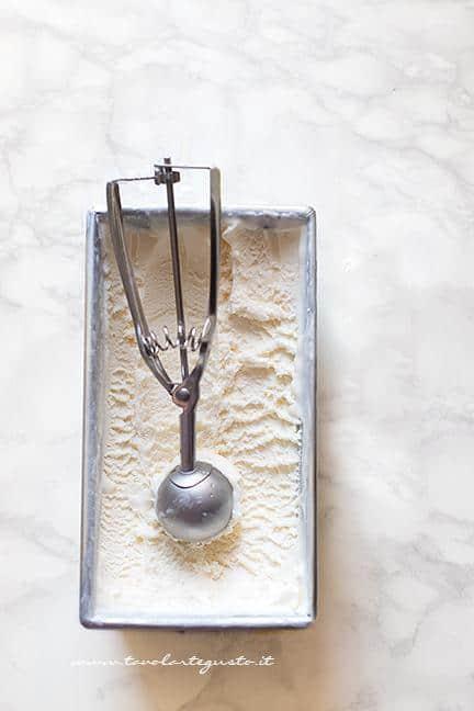 Come fare il gelato fatto in casa senza gelatiera - Ricetta passo passo