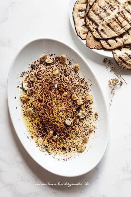 Emulsione aromatica per le melanzane alla griglia - Ricetta Melanzane grigliate