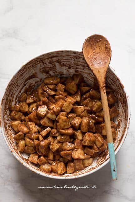 Mele profumate con zucchero e cannella - Ricetta Apple pie