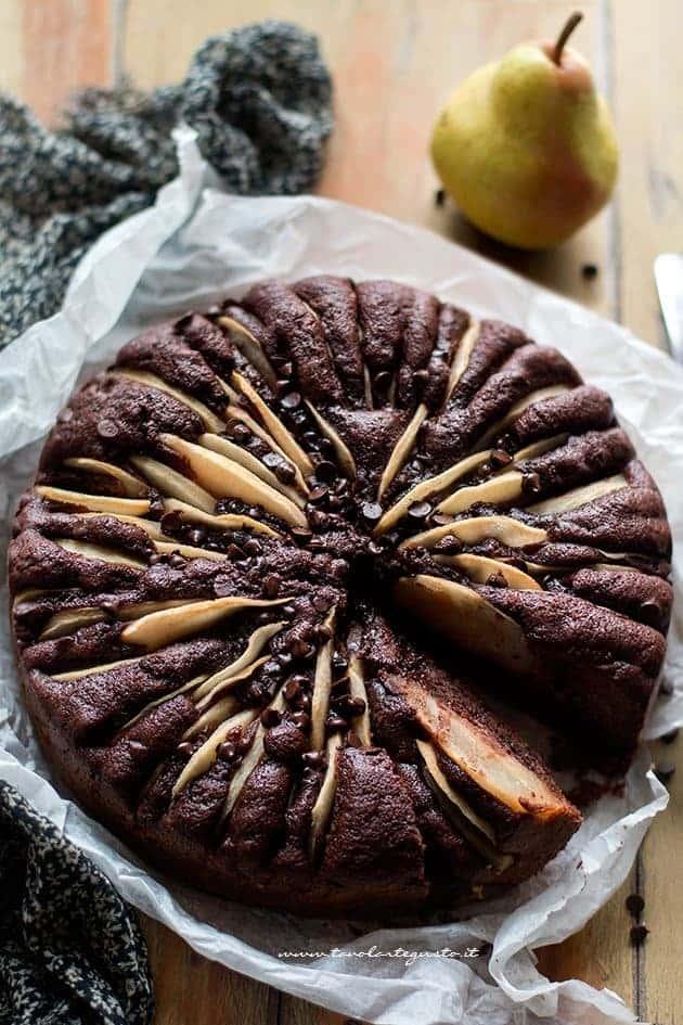 Torta pere e cioccolato - Ricetta Torta soffice pere e cioccolato
