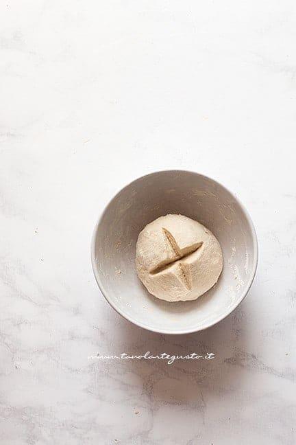 preparare il lievitino - Ricetta Torta Angelica