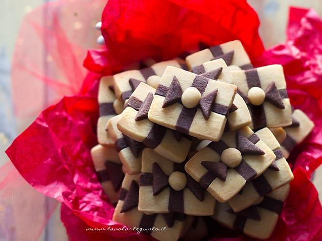Biscotti Pacchetto Regalo - Ricetta biscotti pacchetto regalo-