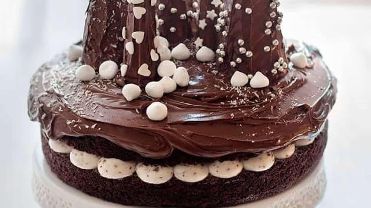 Torte Decorate Per Natale torta di natale semplice (al cioccolato con alberi) la ricetta passo passo!