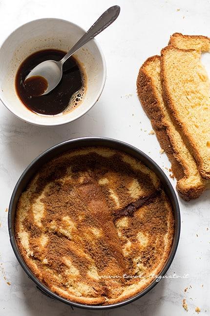 Bagnare con caffè - Ricetta Sbriciolata di pandoro