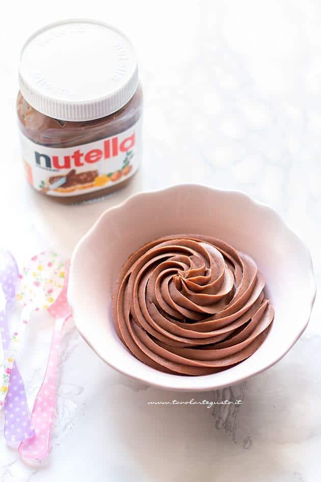 Crema nutella e mascarpone per farcire Torte e dolci (senza cottura, senza uova) - Ricetta crema nutella e mascarpone