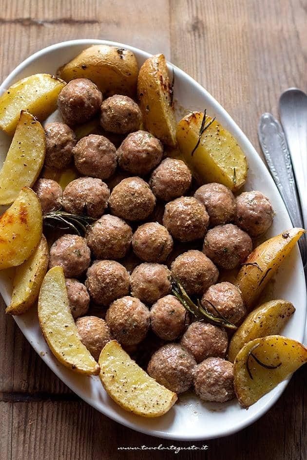 Polpette di carne al forno con patate - Ricetta Polpette al forno