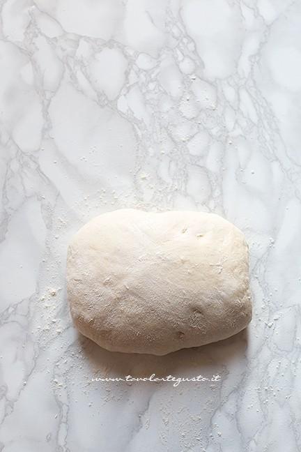 fare le pieghe (3) - Ricetta Brioches vegane (senza uova,burro e latte)
