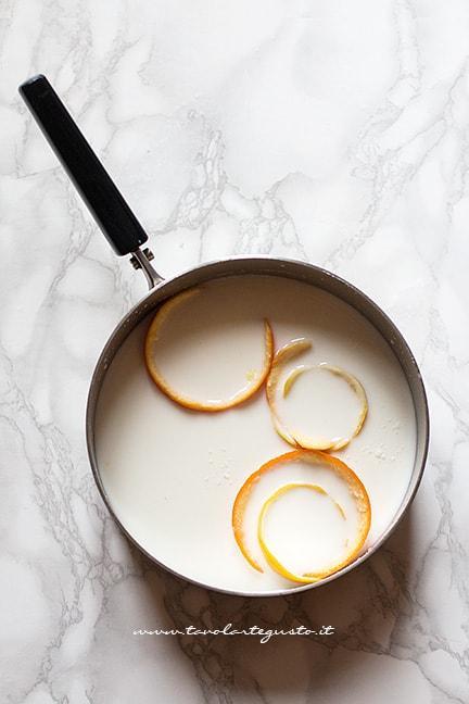scaldare latte, vaniglia, burro e buccia di agrumi - Ricetta migliaccio