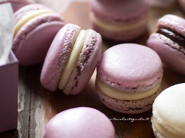 Macarons - Ricetta passo passo per Macarons perfetti-