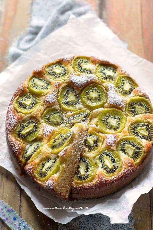 Torta al kiwi soffice e veloce - Ricetta Torta di kiwi