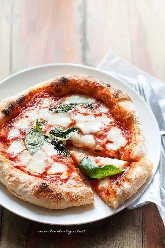 fette di pizza golose e saporite - Ricetta pizza fatta in casa