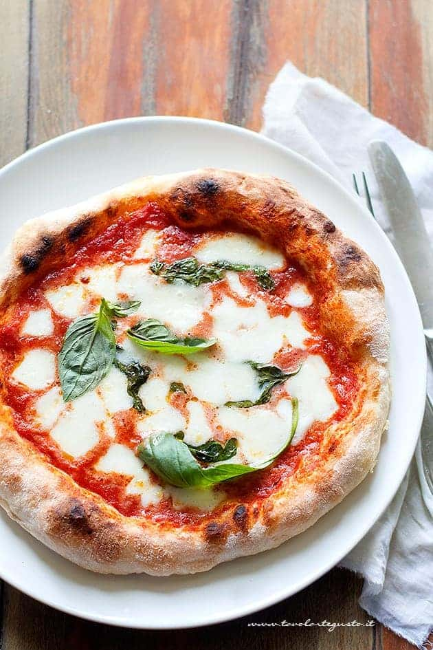 pizza fatta in casa buona come in pizzeria (tutti i segreti)- Ricetta Pizza fatta in casa