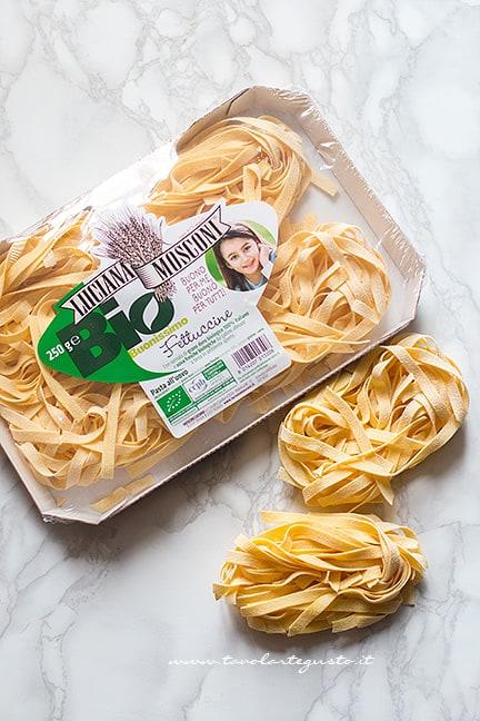 tagliatelle, fettuccine - Ricetta Pasta al forno bianca