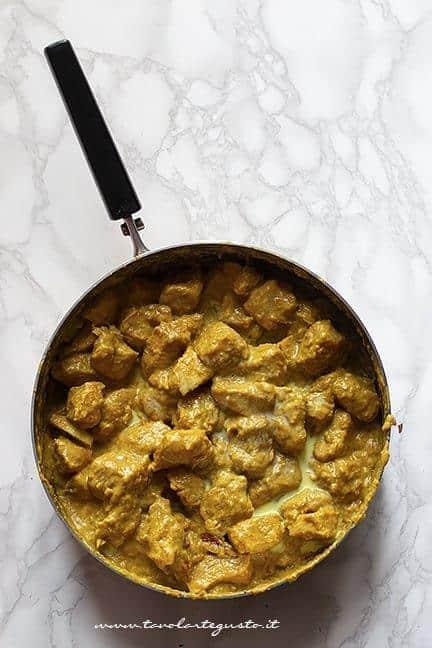 Cottura perfetta del pollo al curry - Ricetta pollo al curryj