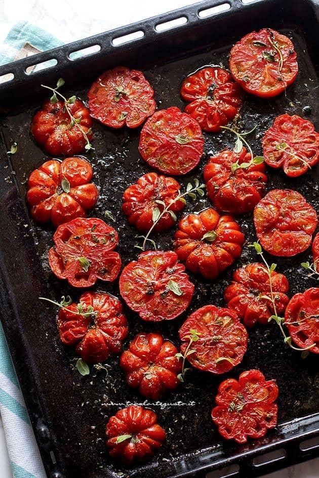 Pomodori al forno - Ricetta Pomodori al forno