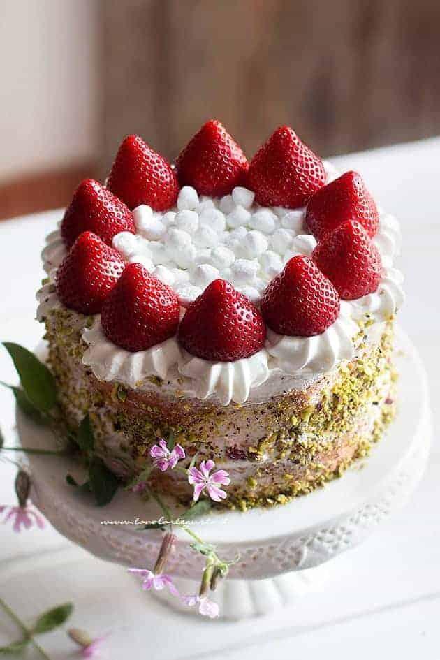 Torta panna e fragole - Ricetta Torta panna e fragole