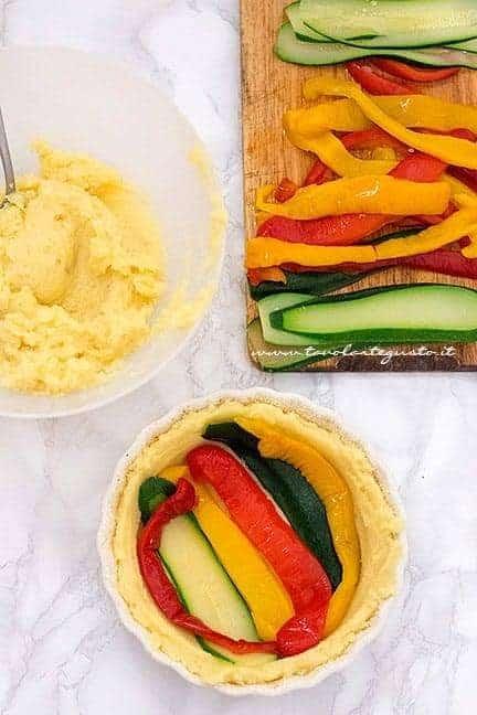 assemblare il gateau di patate con verdure a strati 1 - Ricetta Gateau di verdure