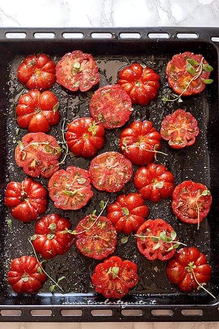 condire i pomodori - Ricetta Pomodori al forno
