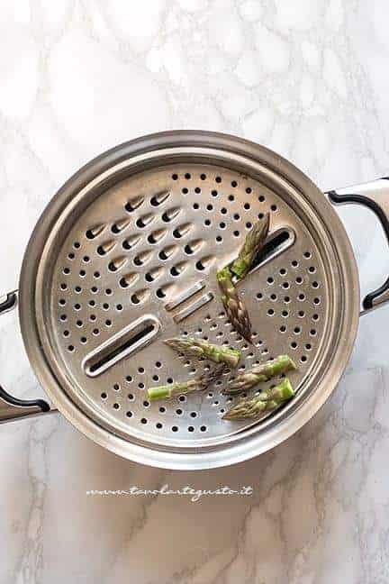 cuocere le punte di asparagi - Crema di asparagi