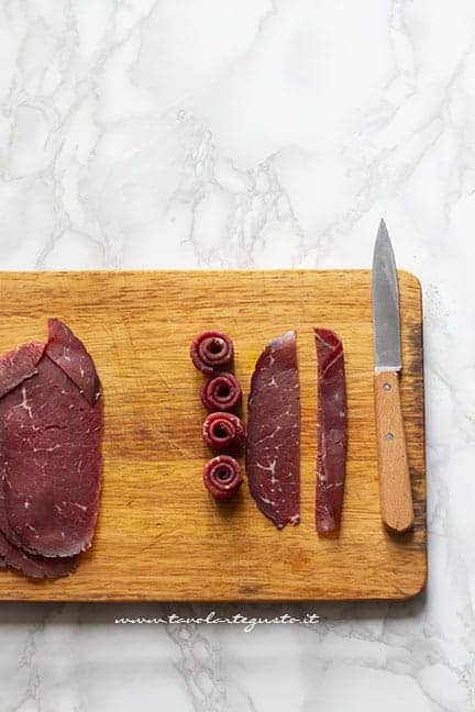 Come fare le roselline di bresaola - Ricetta Cheesecake salata