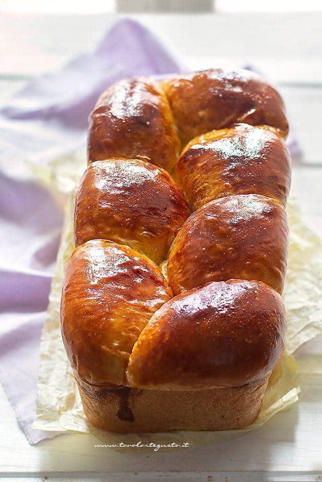 Pan brioche appena sfornato - Ricetta pan brioche