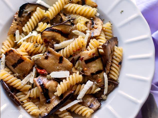Pasta con le melanzane - Ricetta Pasta con melanzane-
