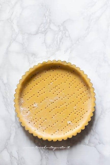 Preparare il guscio di pasta frolla - Ricetta Crostata di mele