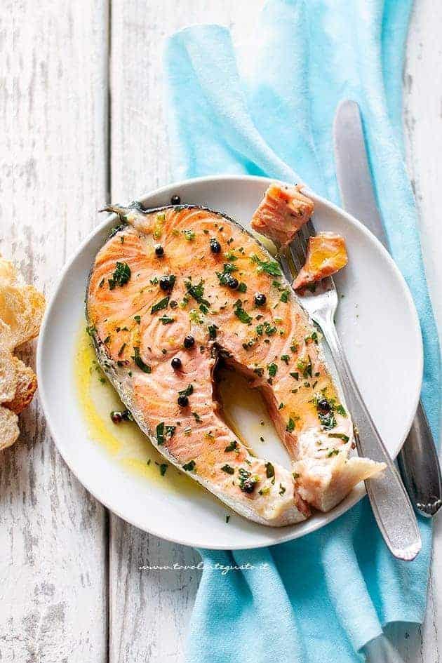 Salmone in padella - Ricetta Tranci di Salmone in padella