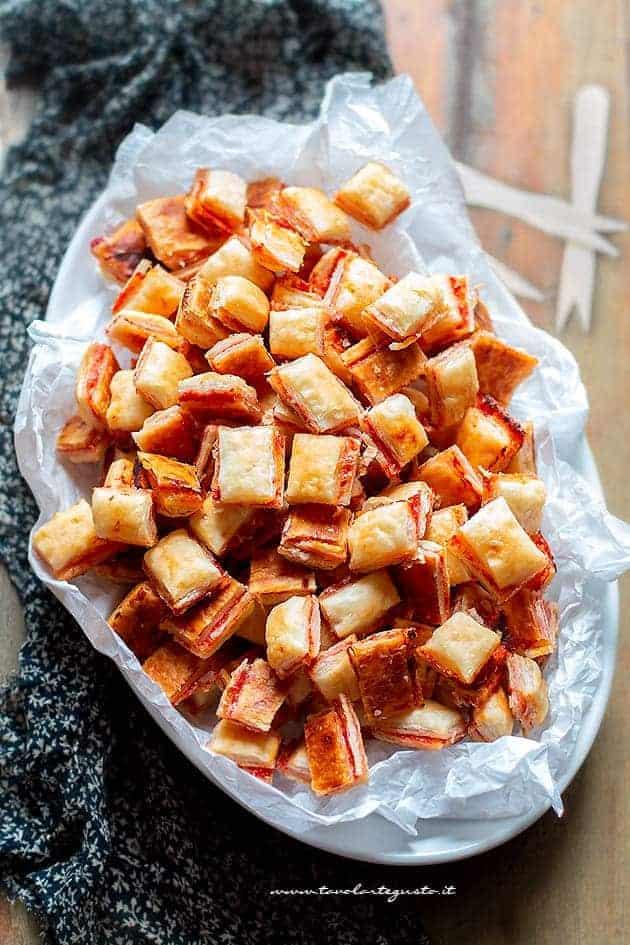 Stuzzichini per aperitivo 100 pezzi in 5 minuti for Idee per aperitivo a casa