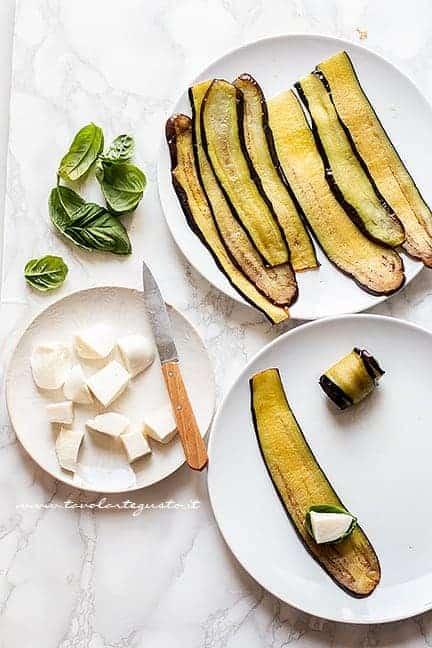 farcire le melanzane con mozzarella e basilico - Ricetta Involtini di Melanzane