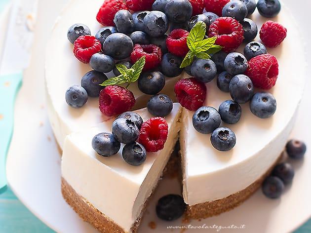 Torta fredda allo yogurt - Ricetta Torta fredda allo yogurt-