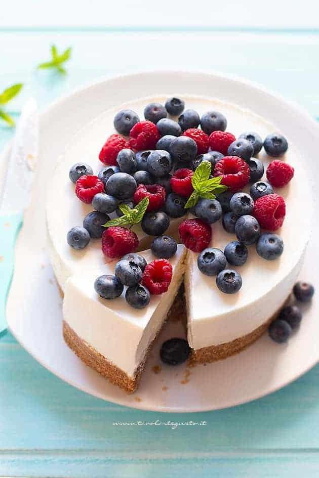 Torta fredda allo yogurt - Ricetta Torta fredda allo yogurt