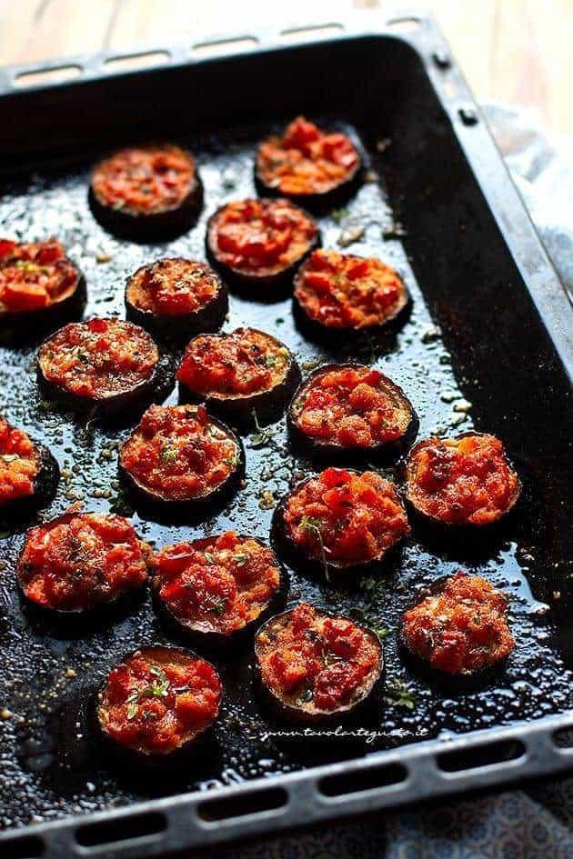 Melanzane gratinate al forno - Ricetta Melanzane gratinate