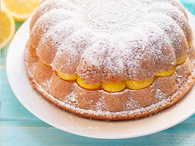 Torta al limone alta soffice e profumata con crema al limone - Ricetta Torta al limone