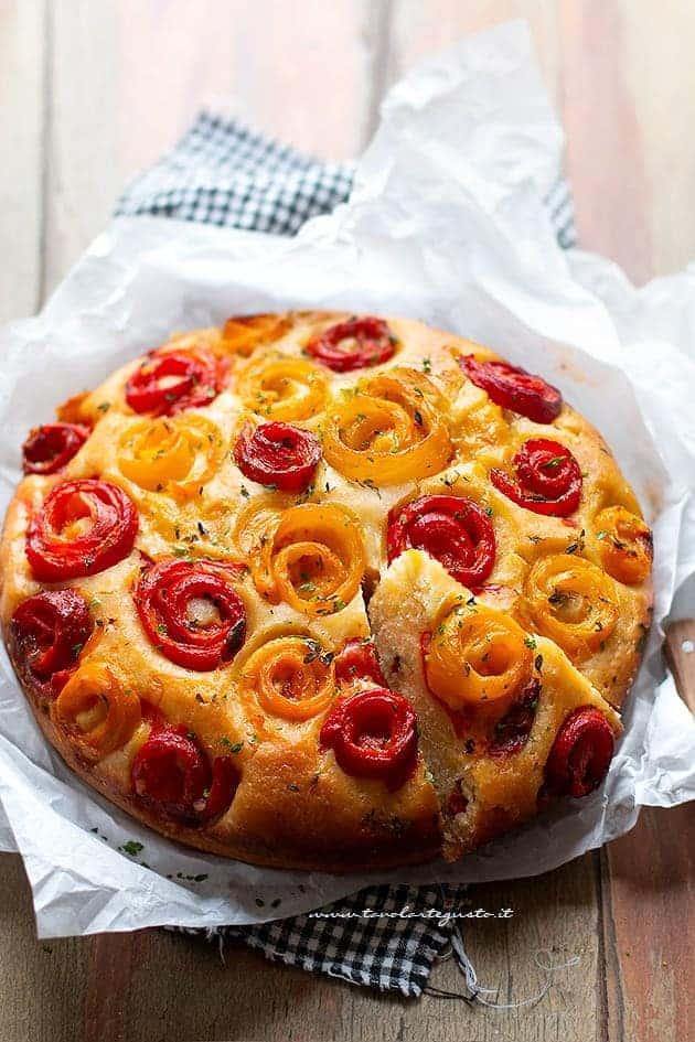 Torta soffice ai peperoni - Rustico veloce e saporito