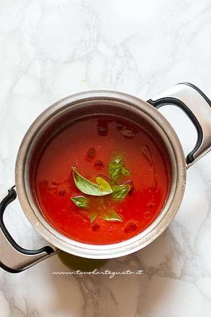 cuocere la vellutata pochi minuti - Ricetta zuppa di pomodoro