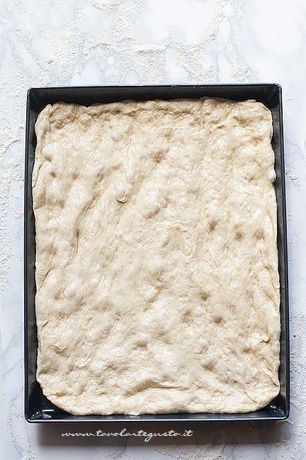 impasto lievitato in teglia - Ricetta Focaccia genovese