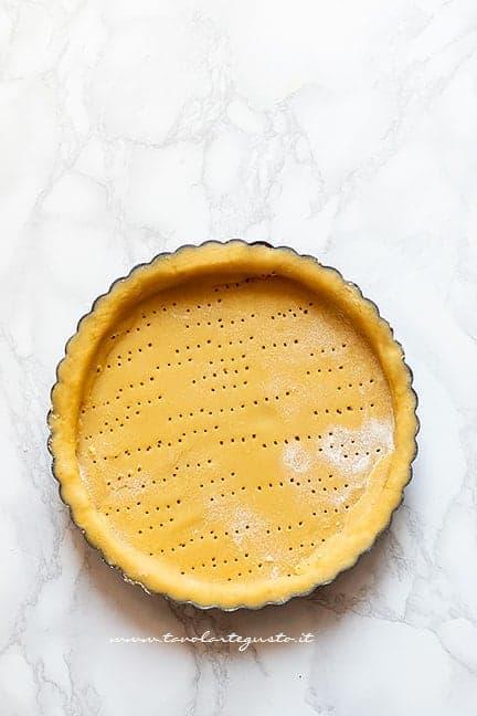 preparare il guscio di pasta frolla - Ricetta Crostata di fichi