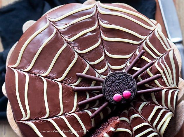 Torta di Halloween facilissima al cioccolato - Ricetta Torta di halloween-