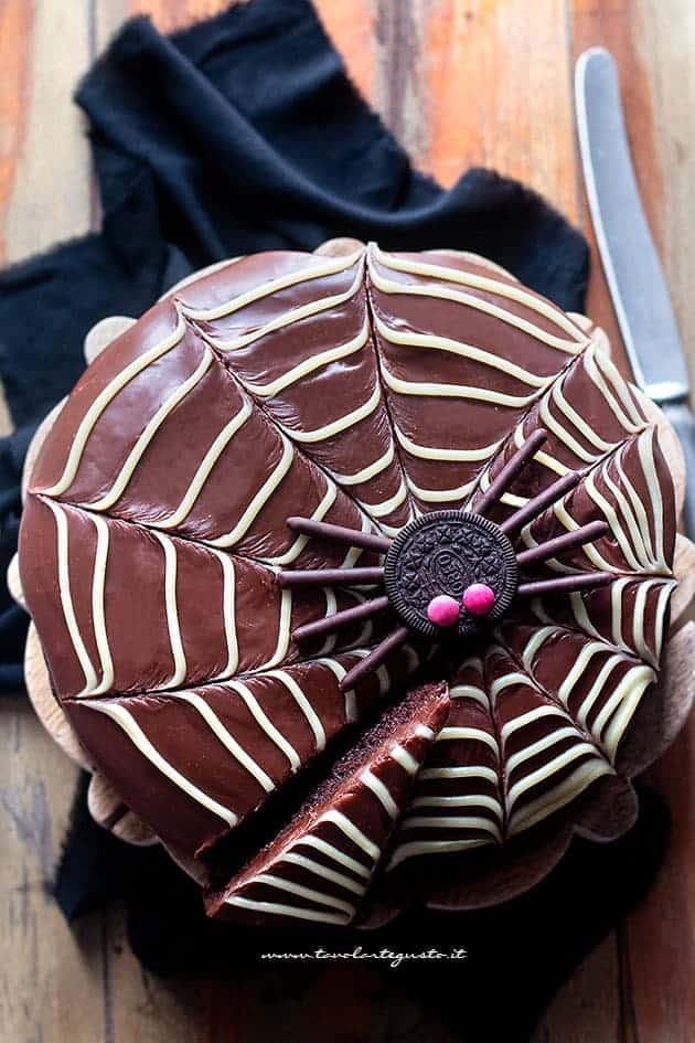 Torta di Halloween facilissima al cioccolato - Ricetta Torta di halloween