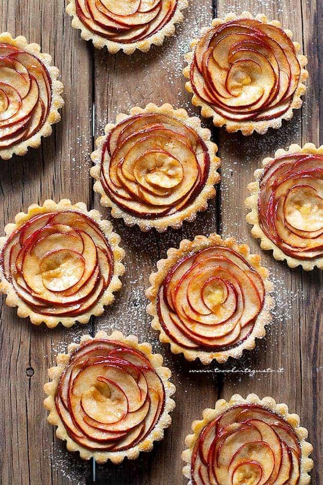 Crostatine di mele - Ricetta Crostatine di mele