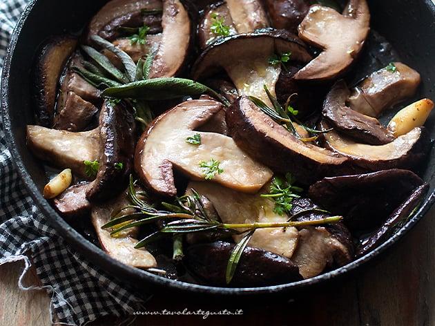 Funghi porcini in padella - Ricetta Porcini in padella-