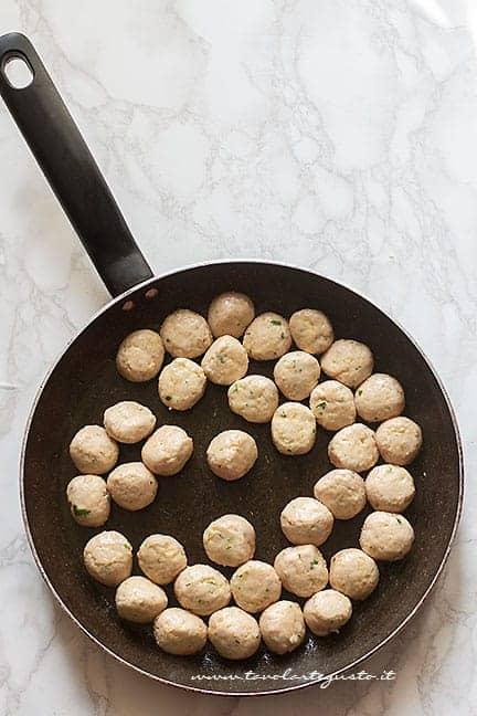 Polpettine leggermente cotte - Ricetta Polpette in agrodolce