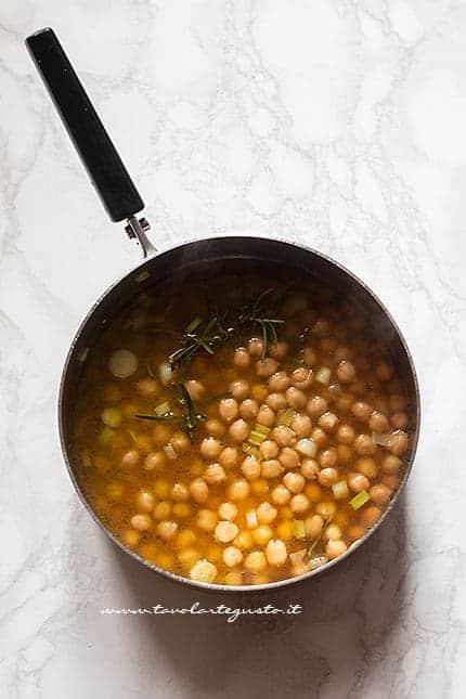 come fare la zuppa di ceci - Ricetta zuppa di ceci