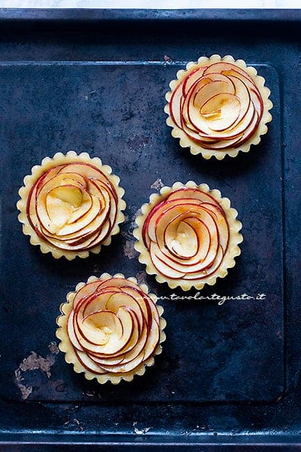 come fare le crostatine di mele - Ricetta Crostatine di mele