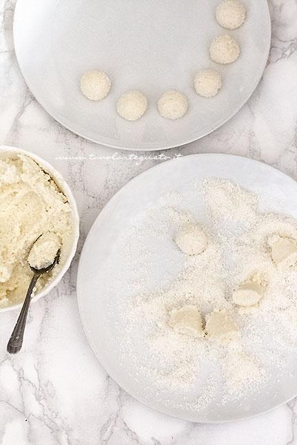 Come fare le palline al cocco - Ricetta Palline al cocco