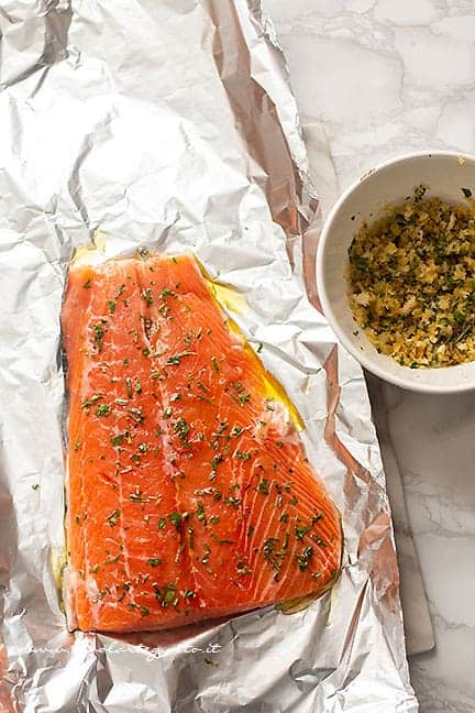 insaporire il filetto di salmone - Ricetta Salmone al forno