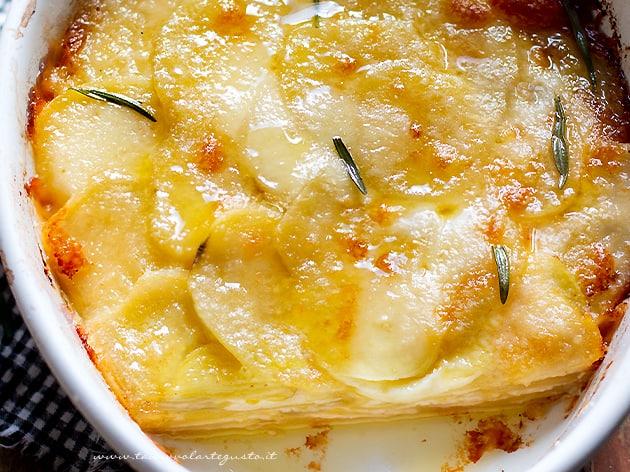 Parmigiana di patate - Ricetta Parmigiana di patate-