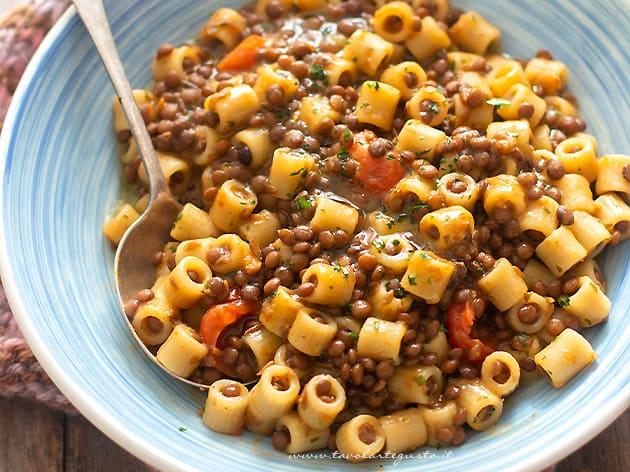 Pasta e lenticchie - Ricetta Pasta e lenticchie-